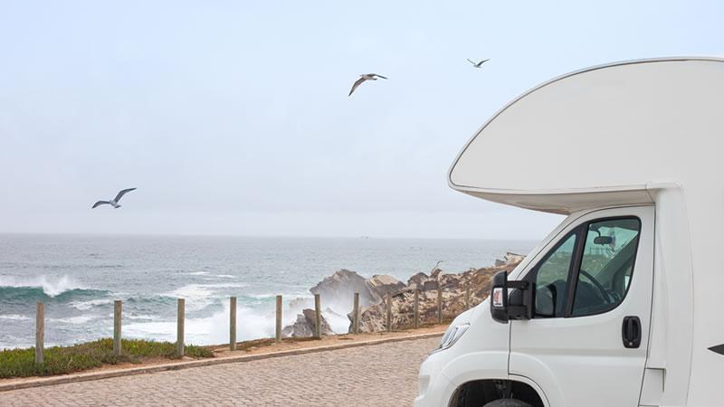 Euromotorhome® - Surf y autocaravana todo en un viaje
