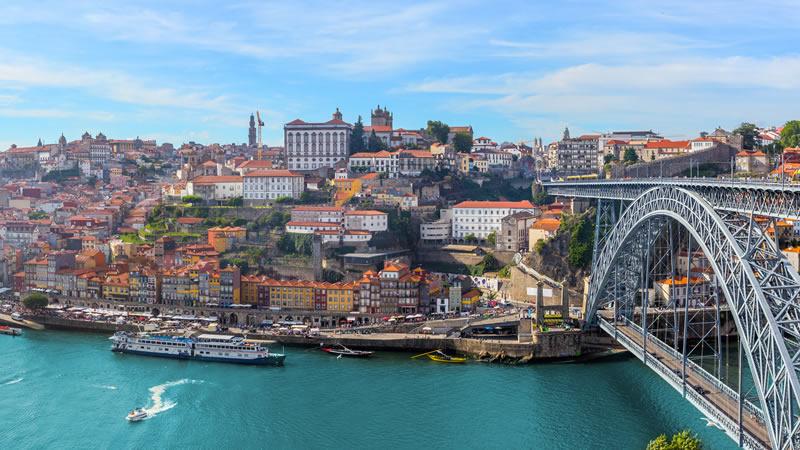 Euromotorhome® - Explora en autocaravana las aldeas históricas de Portugal